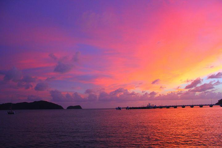 """""""【推荐线路】因为主要是海岛,这里可以出海看一些特色的山石,或者玩海底漫步和降落伞还是很不错的感觉_珍南海滩""""的评论图片"""