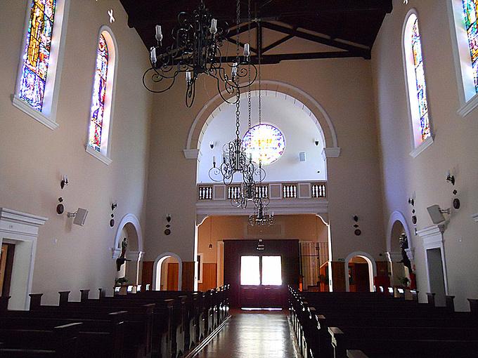 镇上的教堂图片