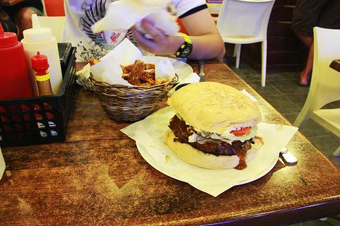 Steampunk Boracay by Bite Club Burgers旅游景点攻略图