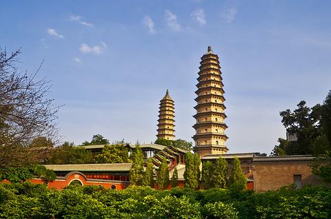 双塔寺的图片