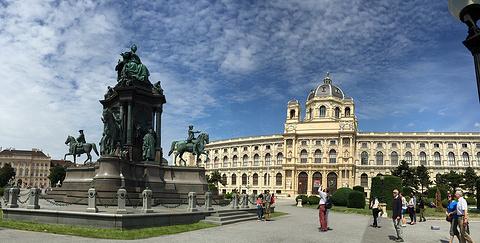 玛丽亚·特蕾西亚广场旅游景点攻略图