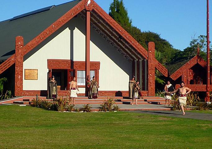 """""""在罗托鲁阿的毛利文化中心,可以欣赏到毛利..._奥希内穆图毛利文化村""""的评论图片"""