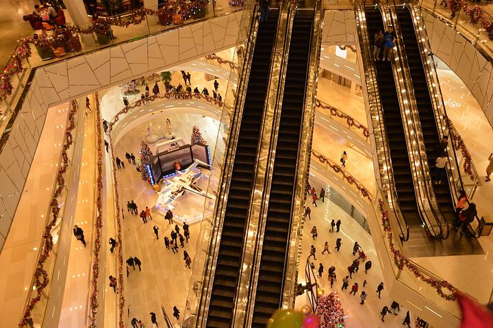 """""""是节假日上海游玩的强力推荐之一了,来这里玩的话同时还可以游玩一下淮海路商圈,其实从人民广场大世..._环贸iapm商场""""的评论图片"""
