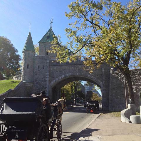 """""""魁北克城是魁北克的首府,精致而又古老的魁北克城,有着加拿大其他城市没有的特别味道_魁北克老城""""的评论图片"""