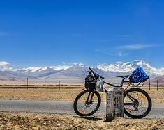 一个人,一辆自行车,穿行中尼公路