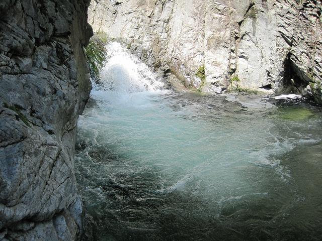 """""""...以湖,滩,瀑为主,以五湖四瀑最为壮观,大石湖主要观赏景色就是自然的山水,有四道瀑布组成的瀑布群_大石湖风景区""""的评论图片"""