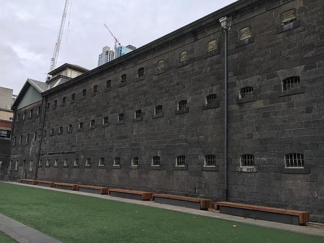 """""""从圣保罗大教堂走了大半个小时到了这里,要..._墨尔本旧监狱""""的评论图片"""