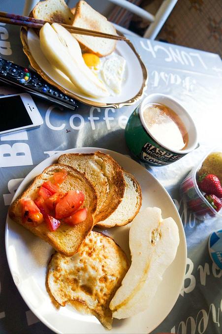 简单的早餐图片