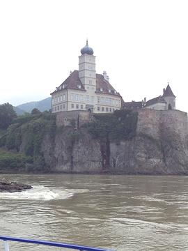 熊皮尔城堡旅游景点攻略图