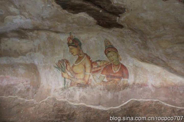 """""""才知道世界上有这样一个佛教圣地,在印度洋环绕的岛国中,成为一方圣迹_丹布勒石窟""""的评论图片"""