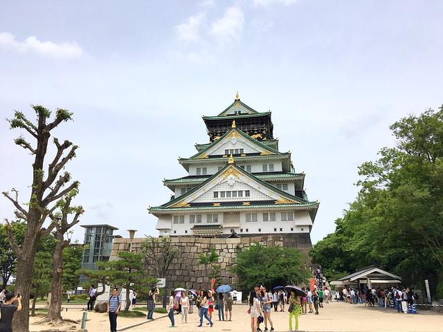 """""""大阪城最中心就是天守阁,建在一处高台上,..._天守阁""""的评论图片"""