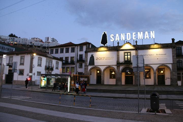 """""""从酒厂出来,已经夜幕降临,居然让我们看到这么妩媚的杜罗河~在火车站边上找了家也是网红饭店_杜罗河""""的评论图片"""