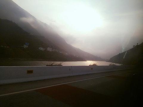 三峡大坝旅游景点攻略图