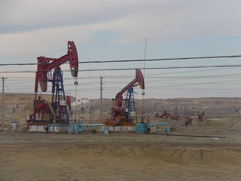 克拉玛依油田旅游景点图片