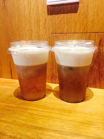 """""""一种鲜茶,一种芝士茶,他家的芝士茶也超级好喝,茶特别香,配上淡芝士,我的妈,我真是想住在茶颜悦色里了_李公庙糖油粑粑""""的评论图片"""