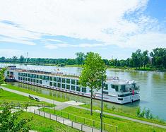 坐着维京游轮玩欧洲:浪在水上移动城堡,漫游莱茵河四国爱都