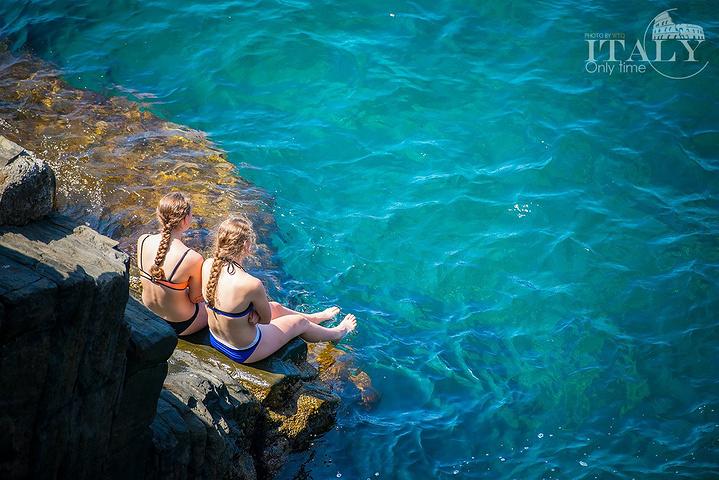 """""""非常幸运的赶上了周末来到这里,奥马焦雷吸引来一些度假的跳水青年,这种疯狂刺激的跳水可不是每天都..._里奥马焦雷""""的评论图片"""