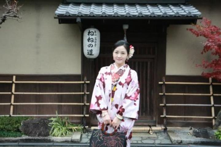 """""""宁宁小路是八阪神社后面的圆山公园到高台寺之间一条隐蔽的石坂小路_宁宁之道""""的评论图片"""