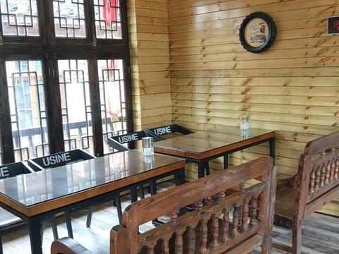 湘西往事二楼美食部落 旅游景点图片