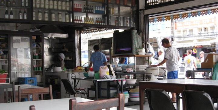 """""""夜市路口人气超旺的泰国菜餐厅,用餐时间满满人潮,建议避开用餐时间避免久候。 图片来自于网络_Koti""""的评论图片"""