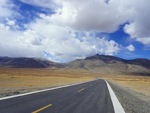 希夏邦马峰旅游景点图片