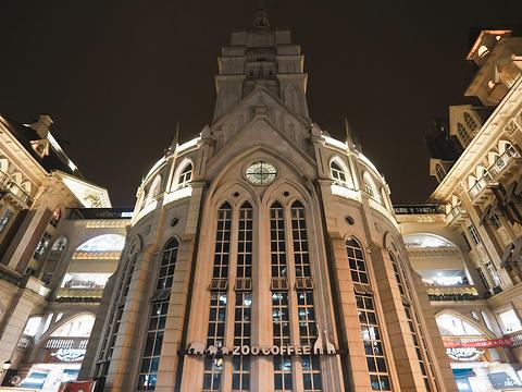 光谷国际广场旅游景点图片