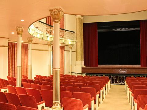 岗顶剧院旅游景点图片