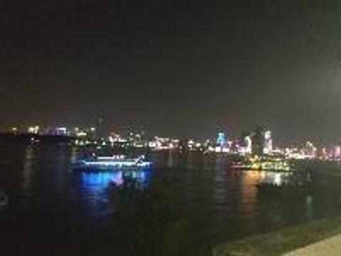 武昌江滩旅游景点图片