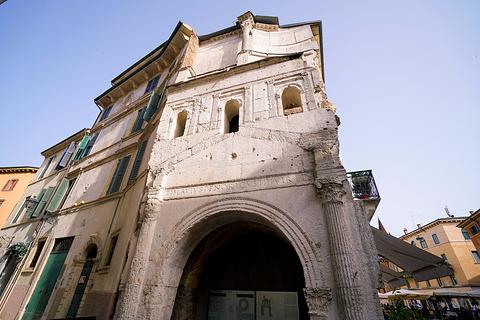 香草广场Piazza delle Erbe旅游景点攻略图