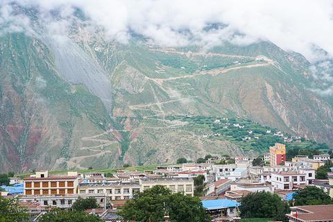 西藏盐井千年古盐田旅游景点攻略图