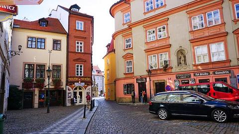 布拉格小城旅游景点攻略图