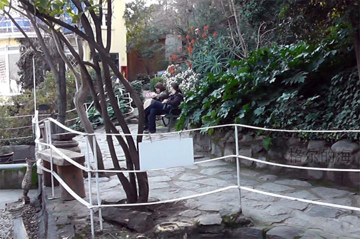 """""""从山上下来后,我们走去聂鲁达的故居(La..._巴勃罗 ? 聂鲁达故居""""的评论图片"""