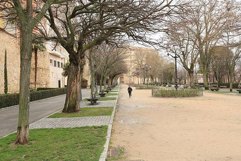 塞哥维亚圣马丁广场旅游景点攻略图