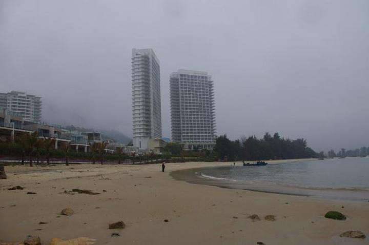 """""""不过马戏还是值得观看的,表演者大多数是外国人。巽寮湾很多地方都是新建的酒店,酒店的豪华程度不一_巽寮湾""""的评论图片"""