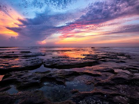 五彩滩旅游景点图片