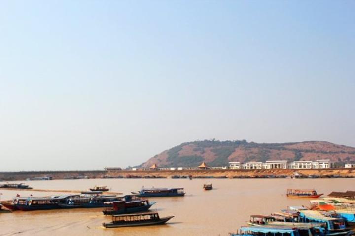 """""""【旅行建议】1、参加柬埔寨团队游时,这里属于自费景点,有一些驴友因为这里是世界最贫困的地方就放..._洞里萨湖""""的评论图片"""