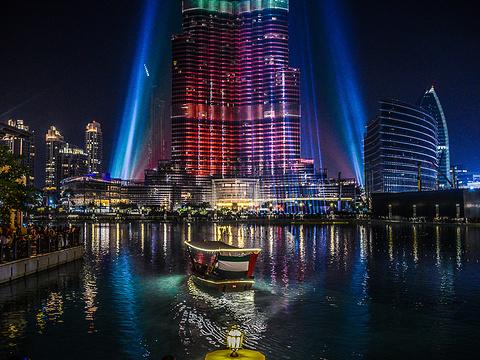 迪拜喷泉旅游景点图片