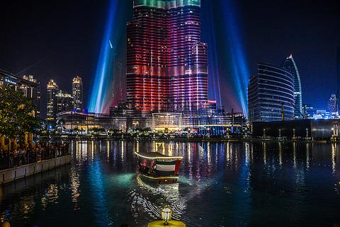 迪拜喷泉的图片