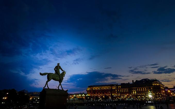 夜幕下的莫斯科图片