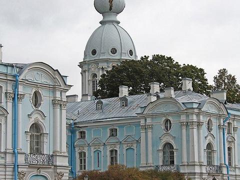 斯莫尔尼修道院旅游景点图片