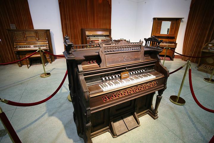 """""""厦门鼓浪屿的风琴博物馆公园位于龙头路的北侧,这里收藏的数百架世界各地珍藏的名品,也是中国乃至国..._风琴博物馆""""的评论图片"""