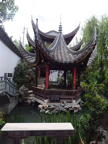 """""""张家花园里的庭院错综复杂,花园修的十分繁复漂亮,一点都不比以前看过的苏州私家园林差,甚至犹有过之_张家花园""""的评论图片"""