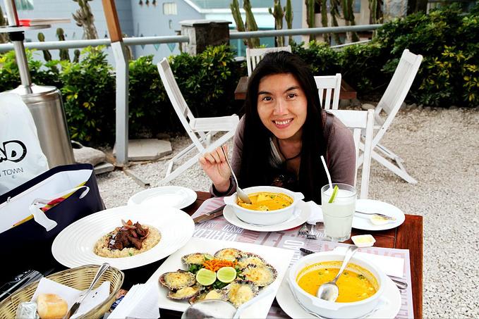 海边餐厅的午饭图片