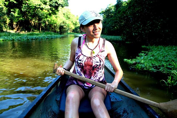 划独木舟图片