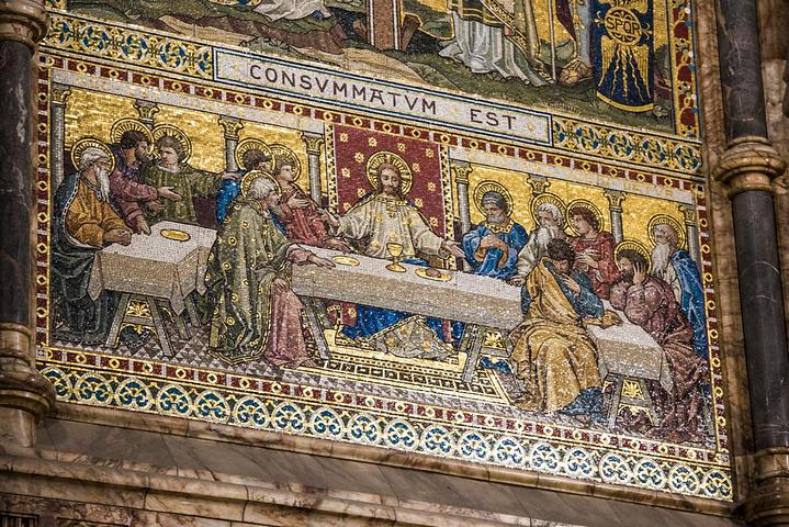 """""""烛光晚会结束后,漫步到圣保罗大教堂哈哈,..._圣保罗大教堂""""的评论图片"""