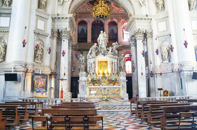 安康圣母教堂图片