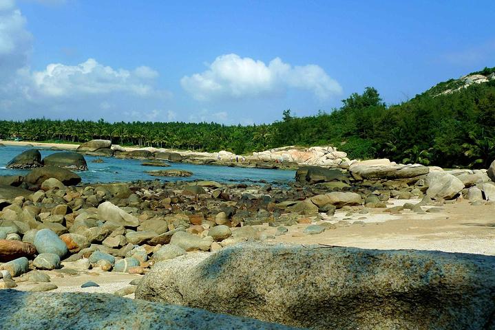 """""""如果您喜欢马代的那种细白细白的沙滩,浅绿色玻璃一样很透很透的海岸,也可以不用来了,因为这里没有_石头公园""""的评论图片"""
