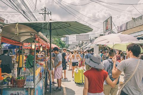 加都加周末市场的图片