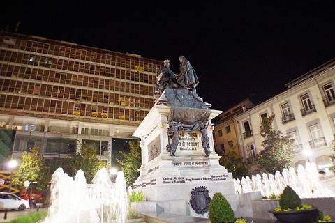 伊莎贝尔天主教广场旅游景点攻略图