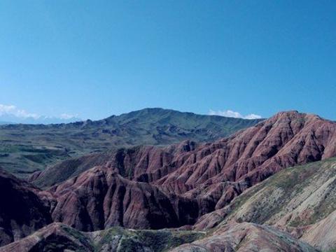 独山子泥火山旅游景点图片